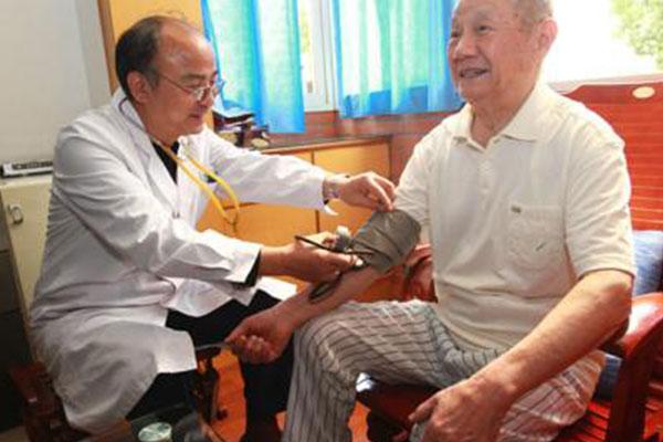健康一体机介绍不同年龄段的体检项目