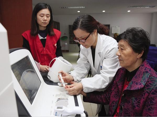 健康一体机具有血氧检测